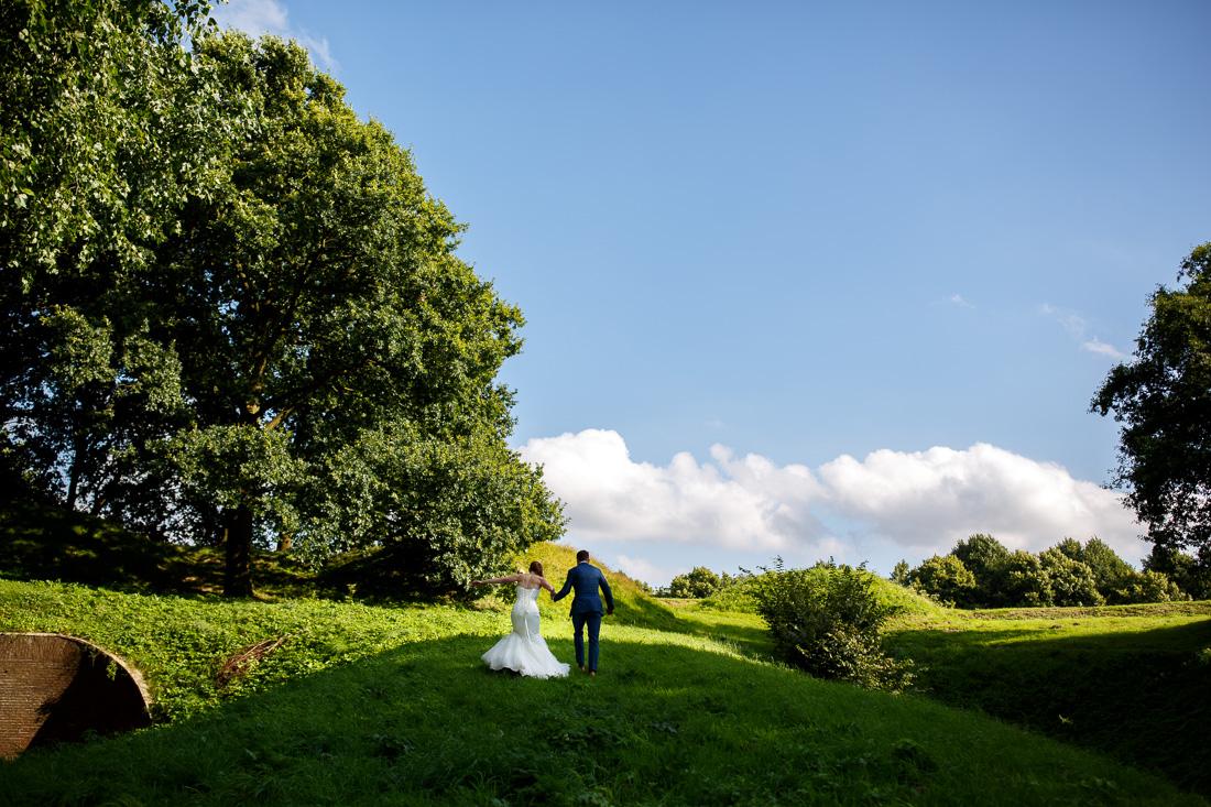 bruidsfotografie-trouwfotografie-naarden-vesting-stadhuis-acquavite36